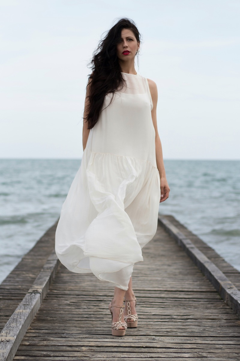 White Maxi Dress - Fashion Blogger